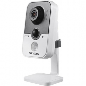 IP камера Hikvision DS-2CD2420F-IW